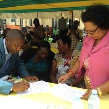 Signature officielle par les autorités d'une charte de soutien au programme